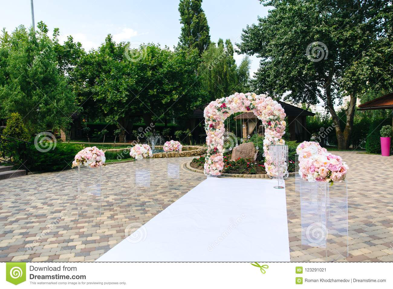 The Snow White Path That Leads To The Altar Wedding Decorations A