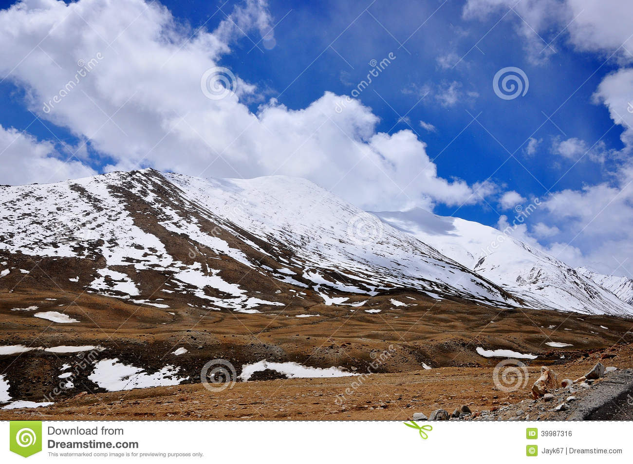 Snowy Mountain Landscape Stock Photo - Image: 39987316
