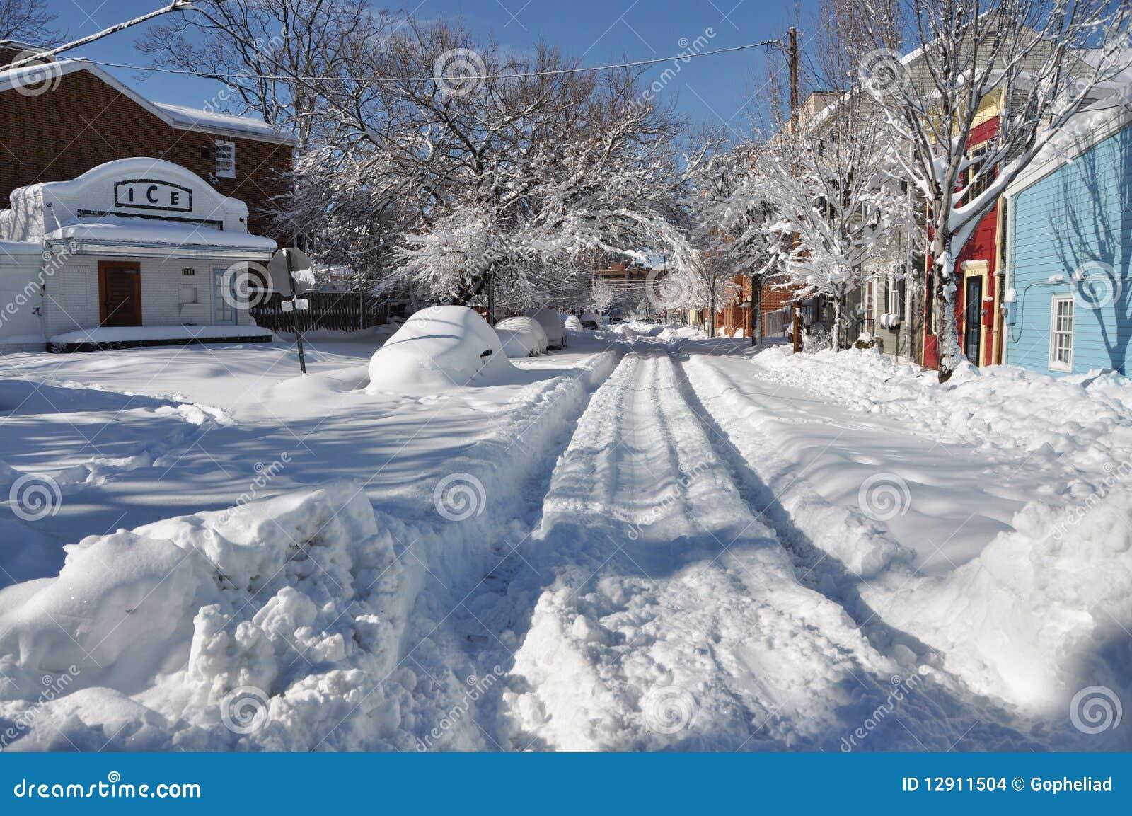 Snowy Neighborhood by catcolzelda on DeviantArt