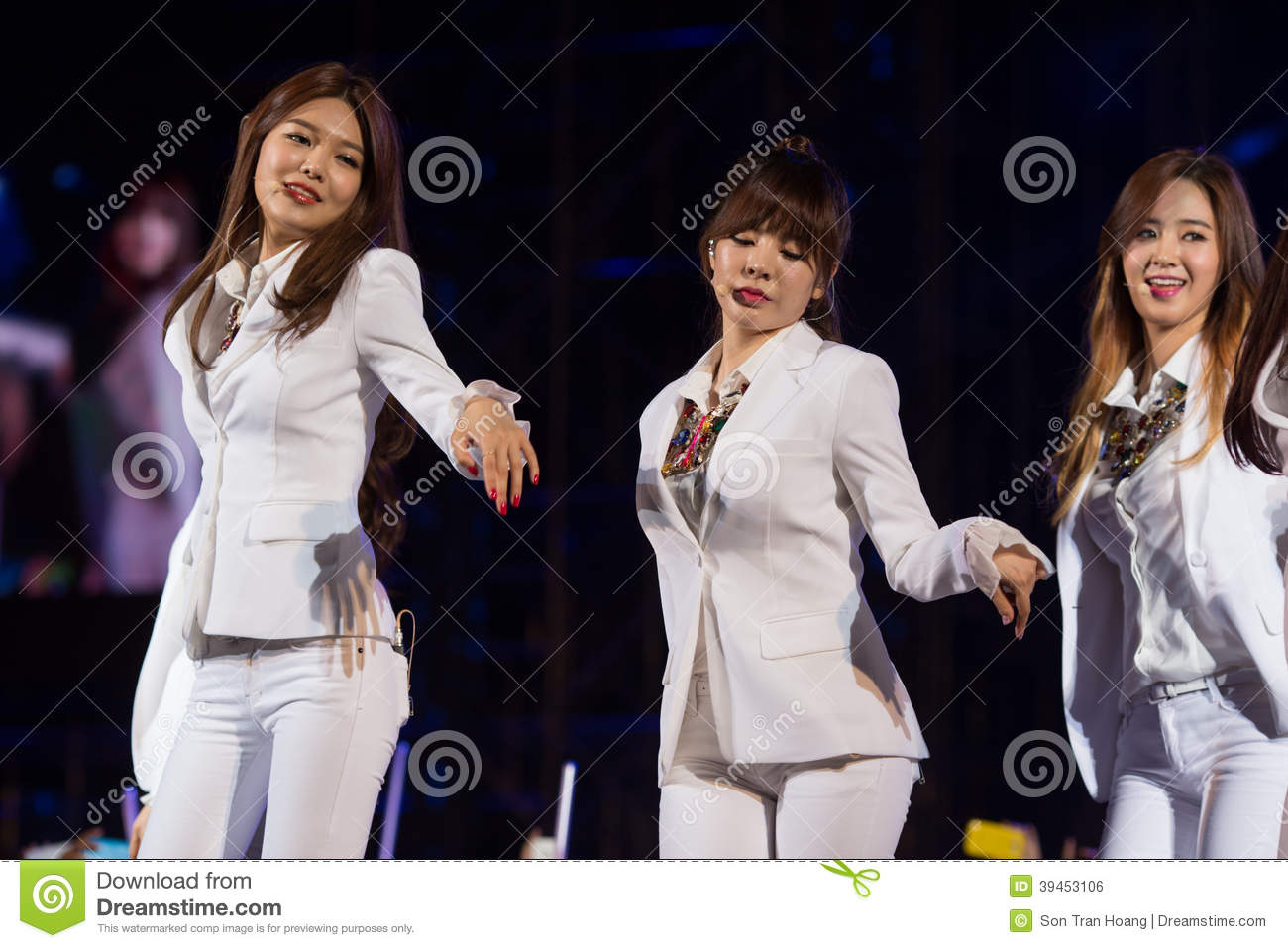 SNSD band at the Human Culture EquilibriumConcert Korea Festival in Viet Nam