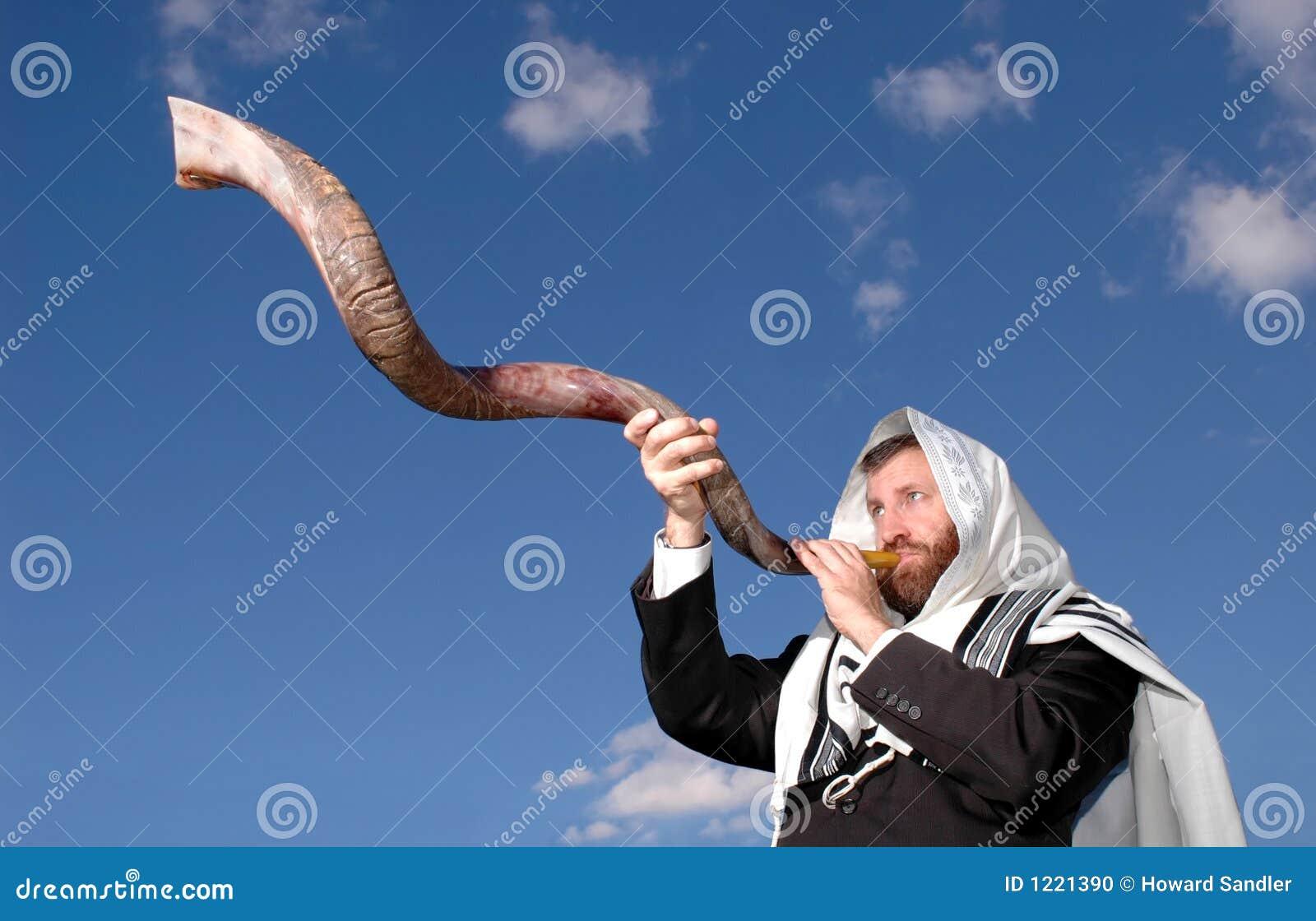 Soando um Shofar iemenita
