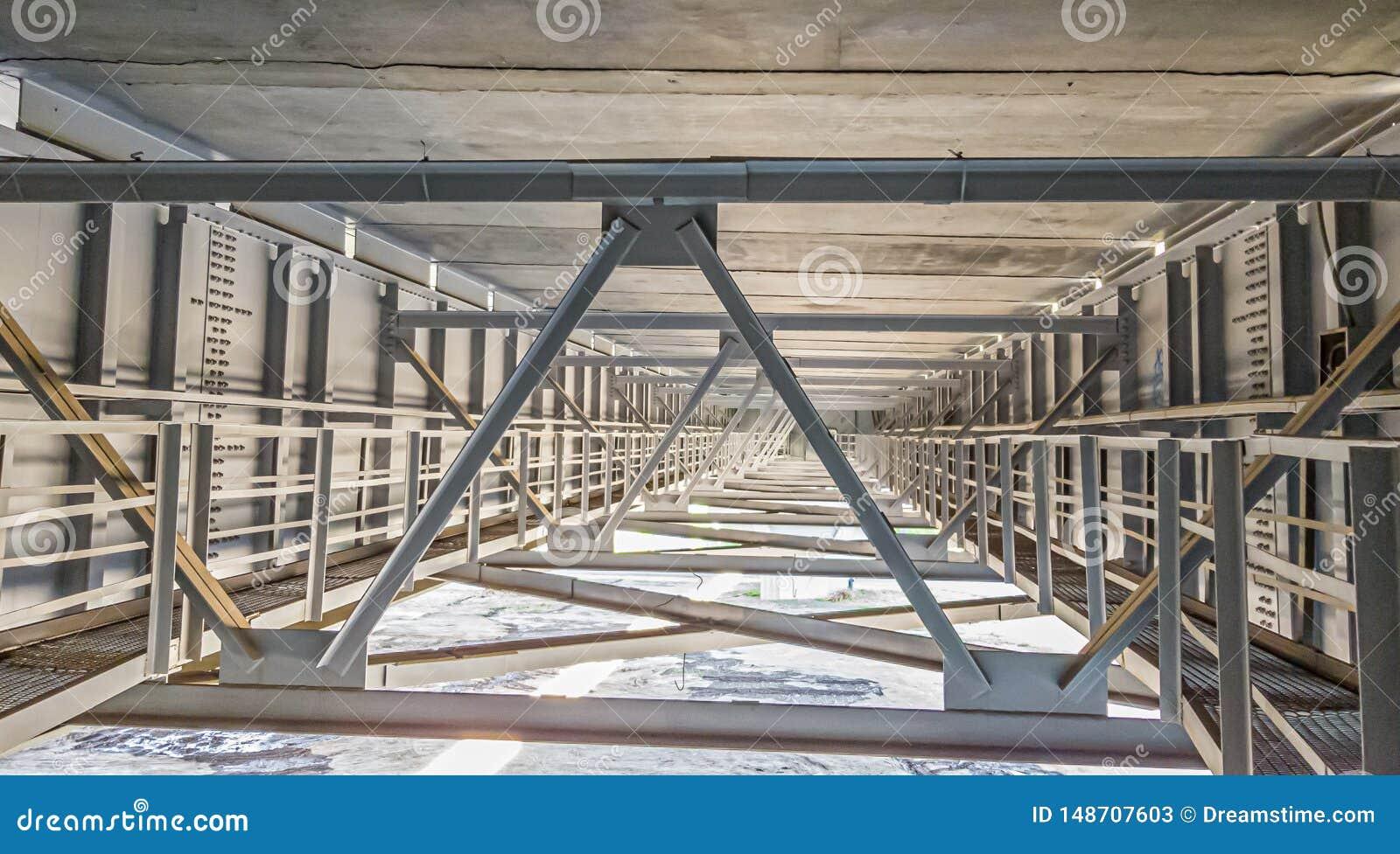 Sob a ponte