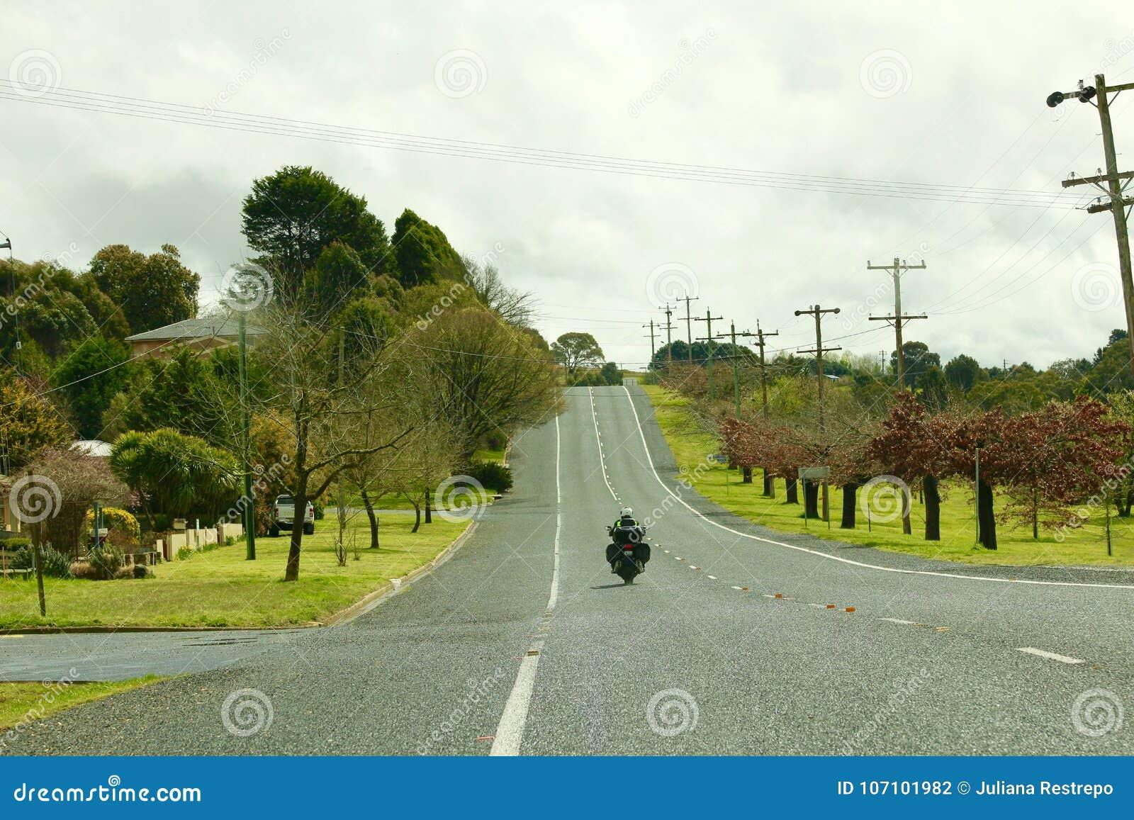 Sobre uns 120 km/h apresse a foto na estrada