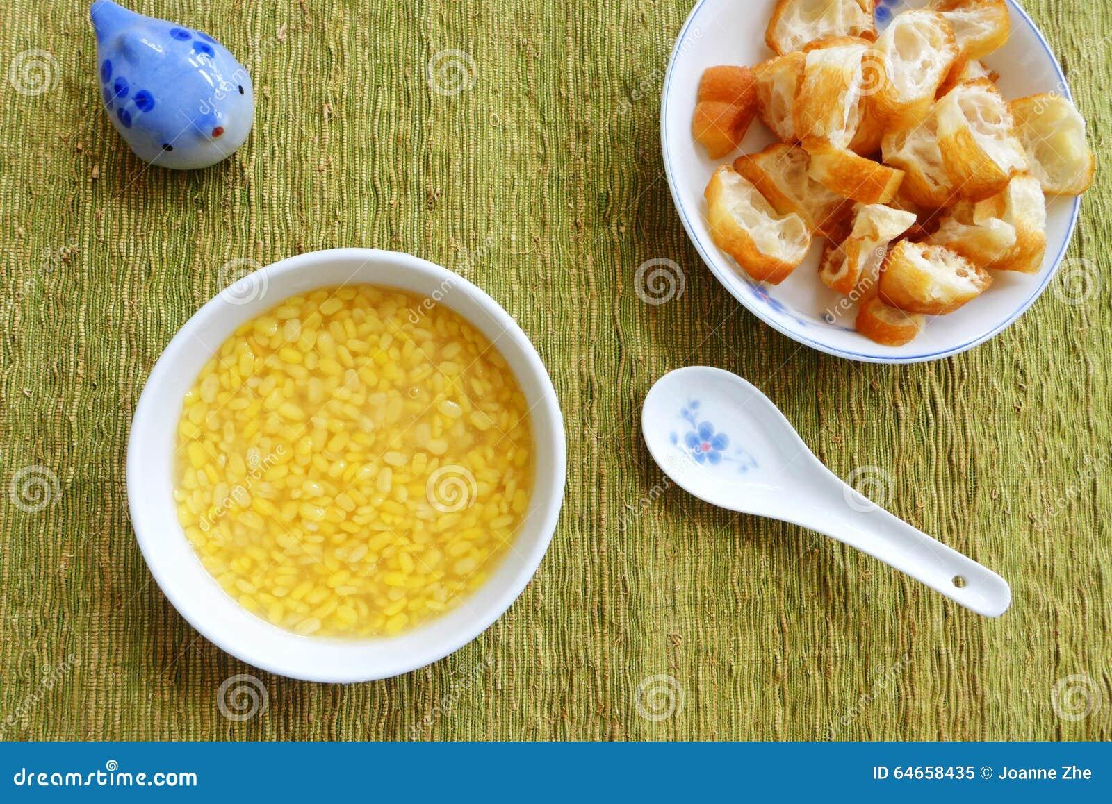 Sobremesa étnica asiática doce