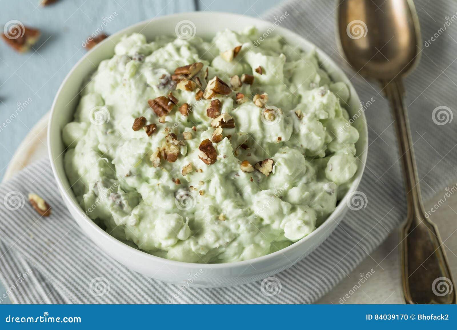 Sobremesa verde caseiro do fluff do pistache
