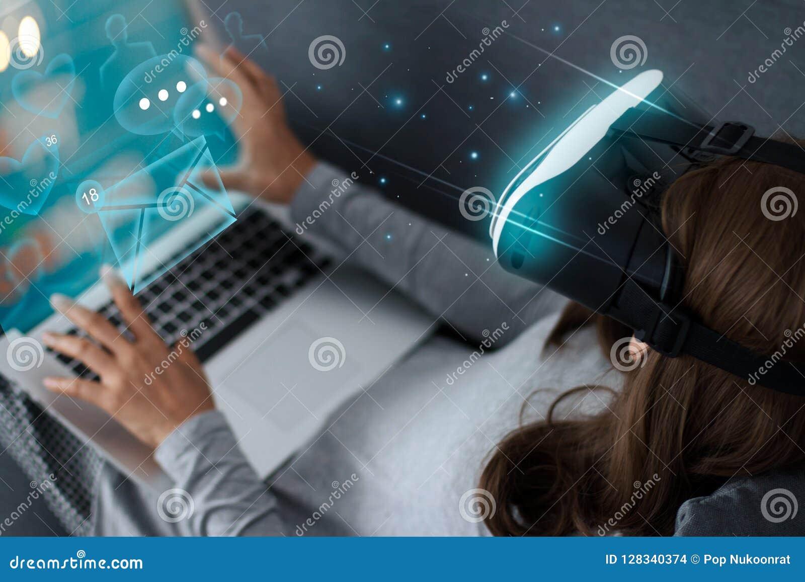 Sociaal media concept Toekomstige technologieinnovatie