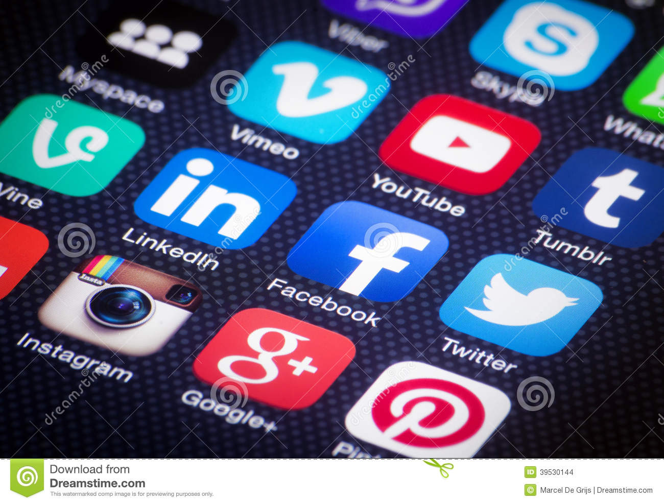 Cell Phone Icon >> Social Media Icons On IPhone Screen. Editorial Stock Image - Image: 39530144