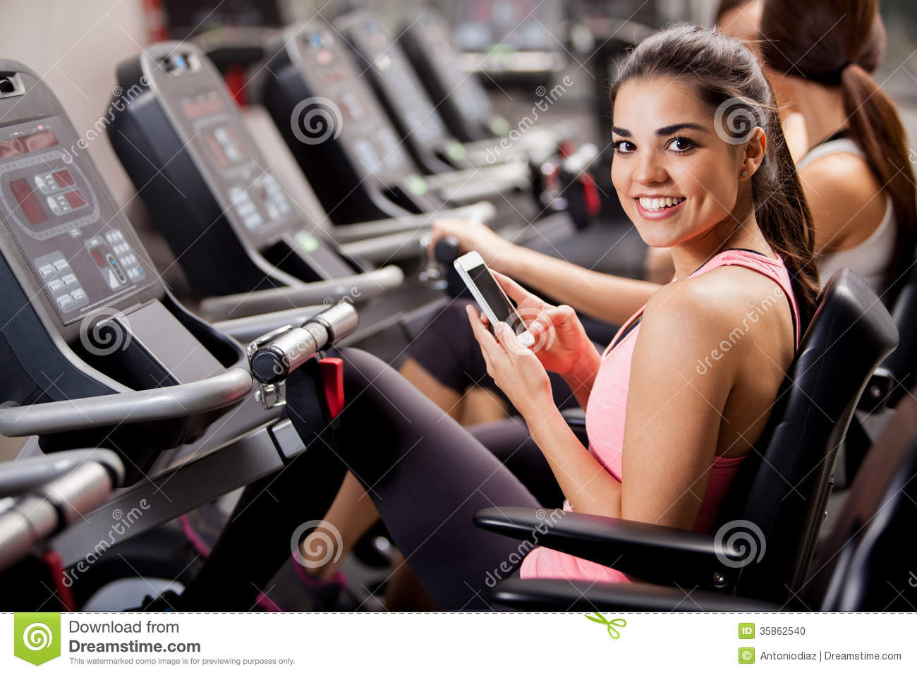 Social networking at the gym stock photo image 35862540 for Gimnasio yong