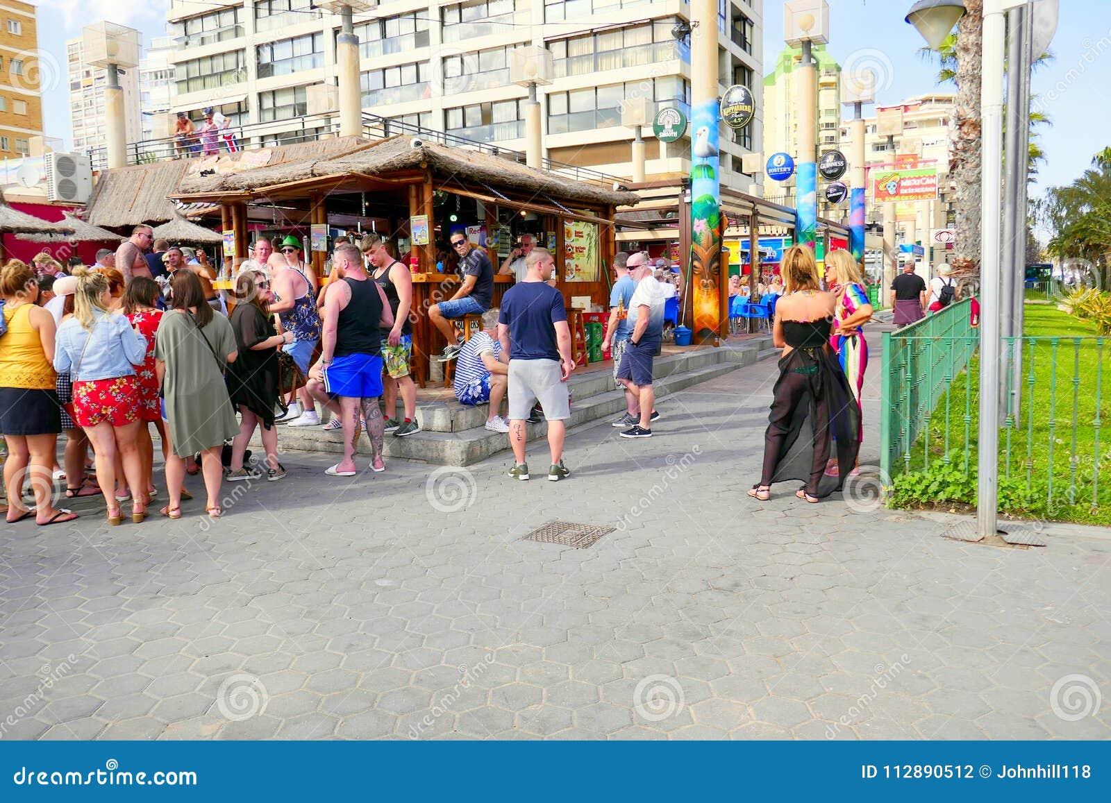 Social stång för semester, Benidorm, Spanien
