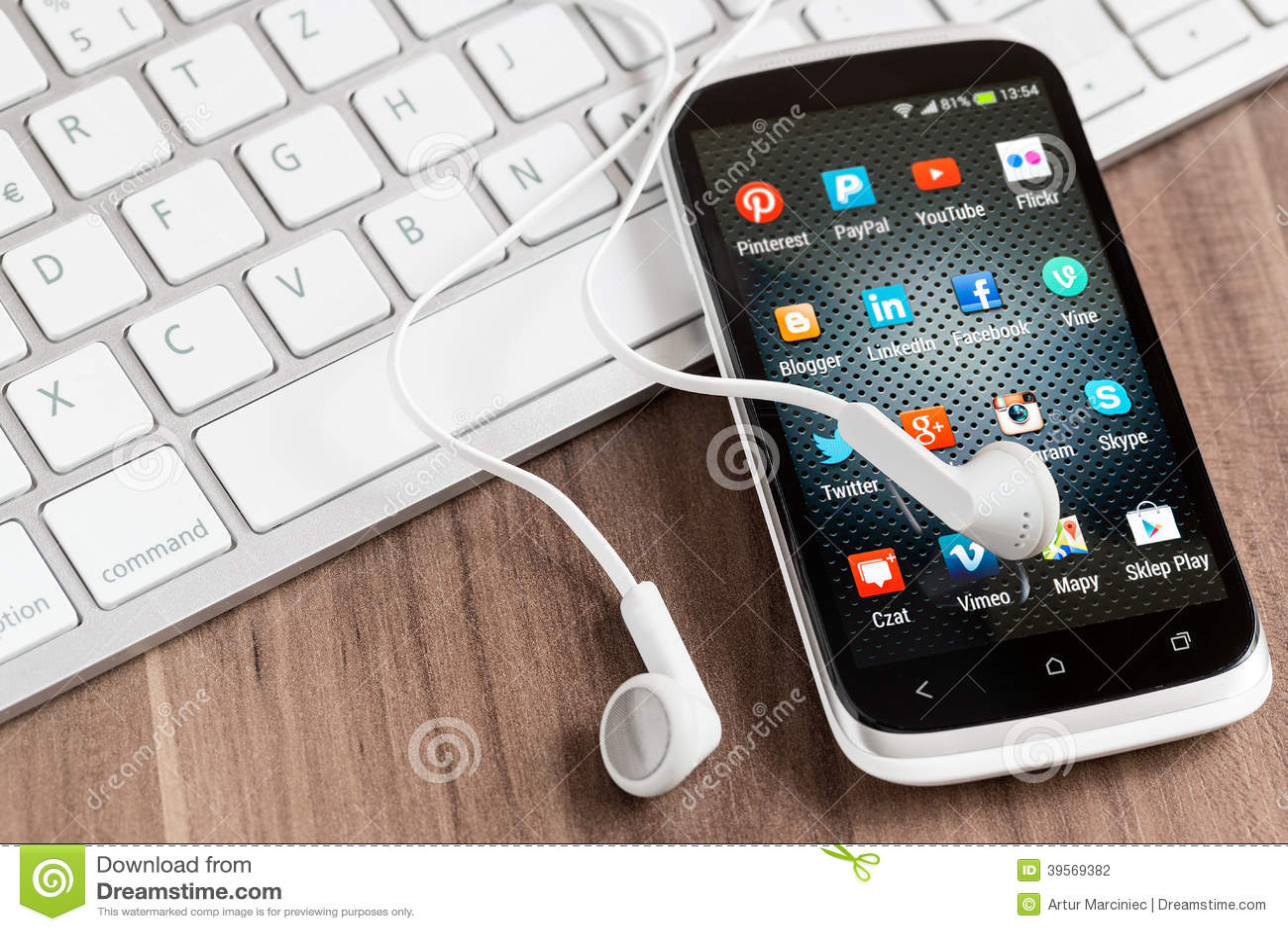 Sociala massmediasymboler på den smarta telefonskärmen