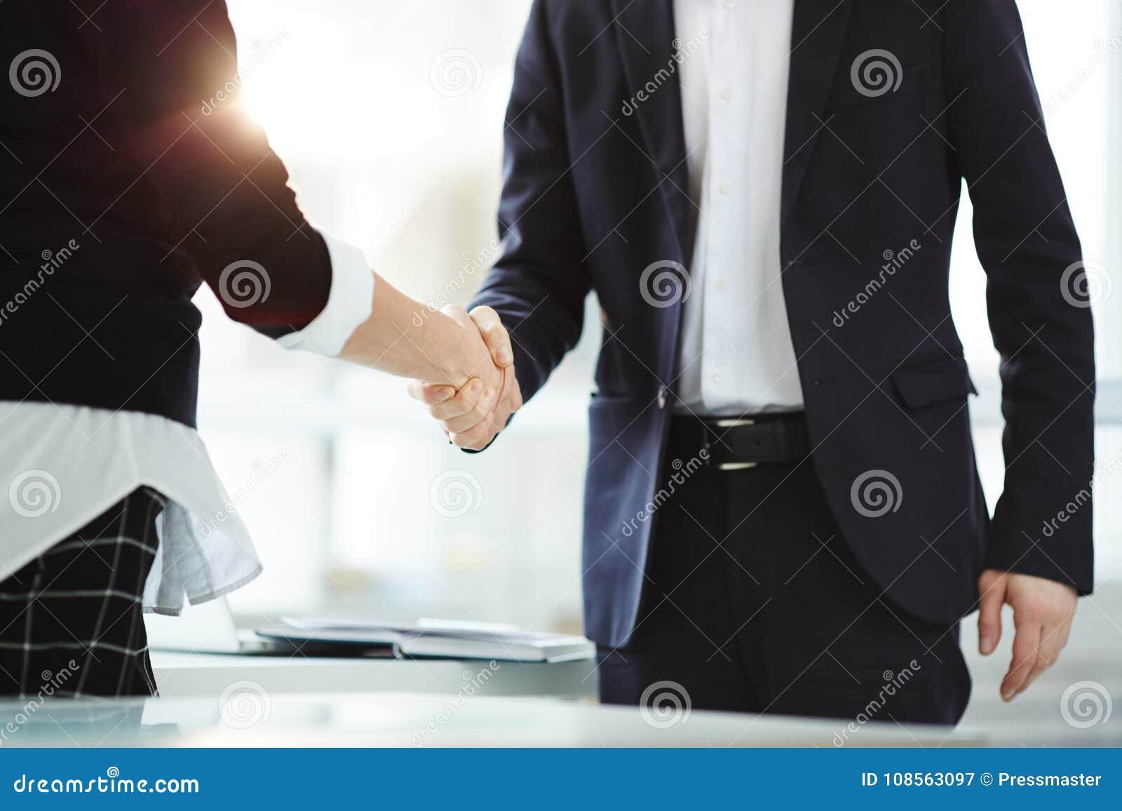 Sociedad en negocio