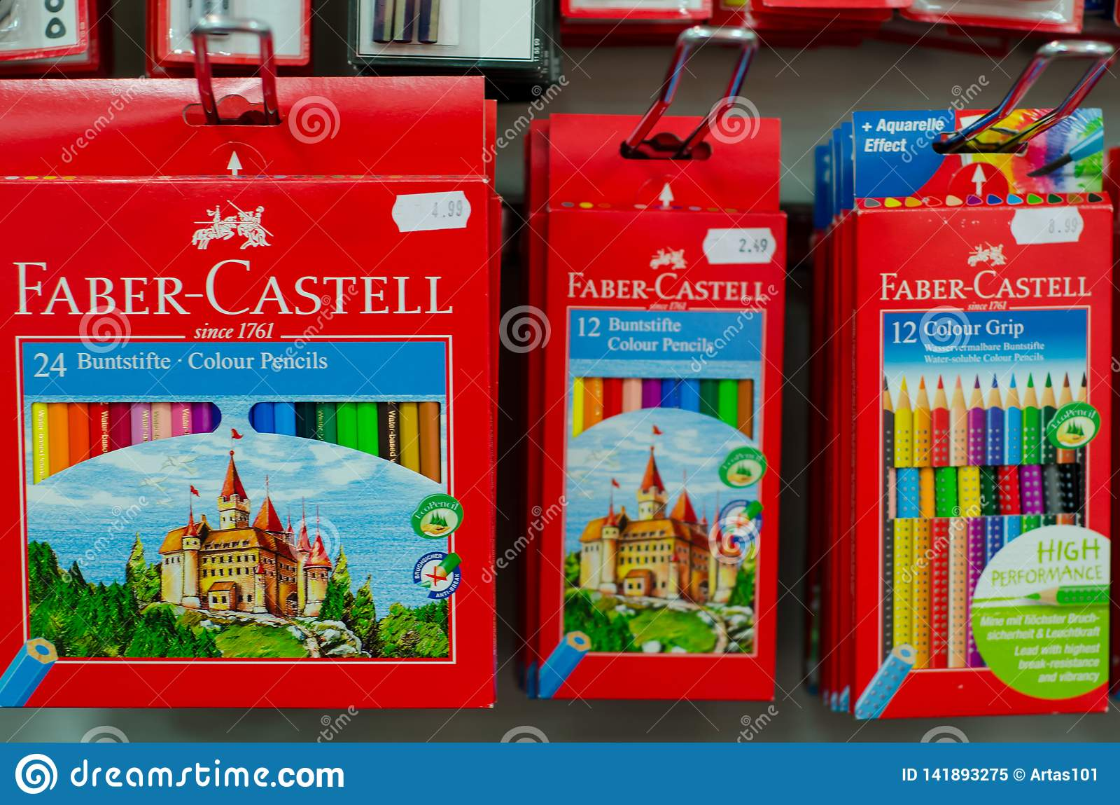 Soest, Duitsland - Januari 3, 2019: Fabercastell potlood voor verkoop in de winkel wordt geplaatst die