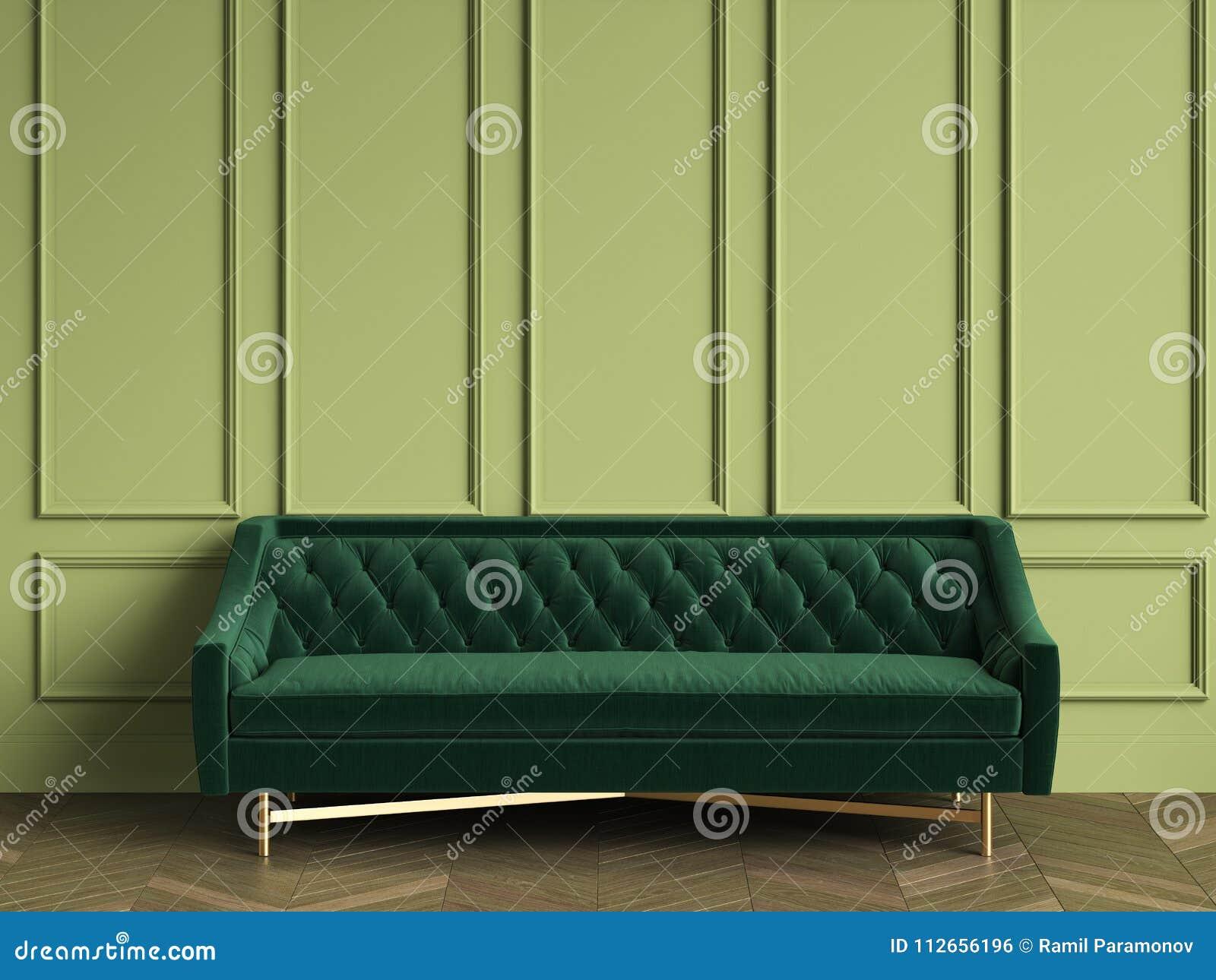 Sofa Verde Oscuro Copetudo En Interior Clasico Con El Espacio De La