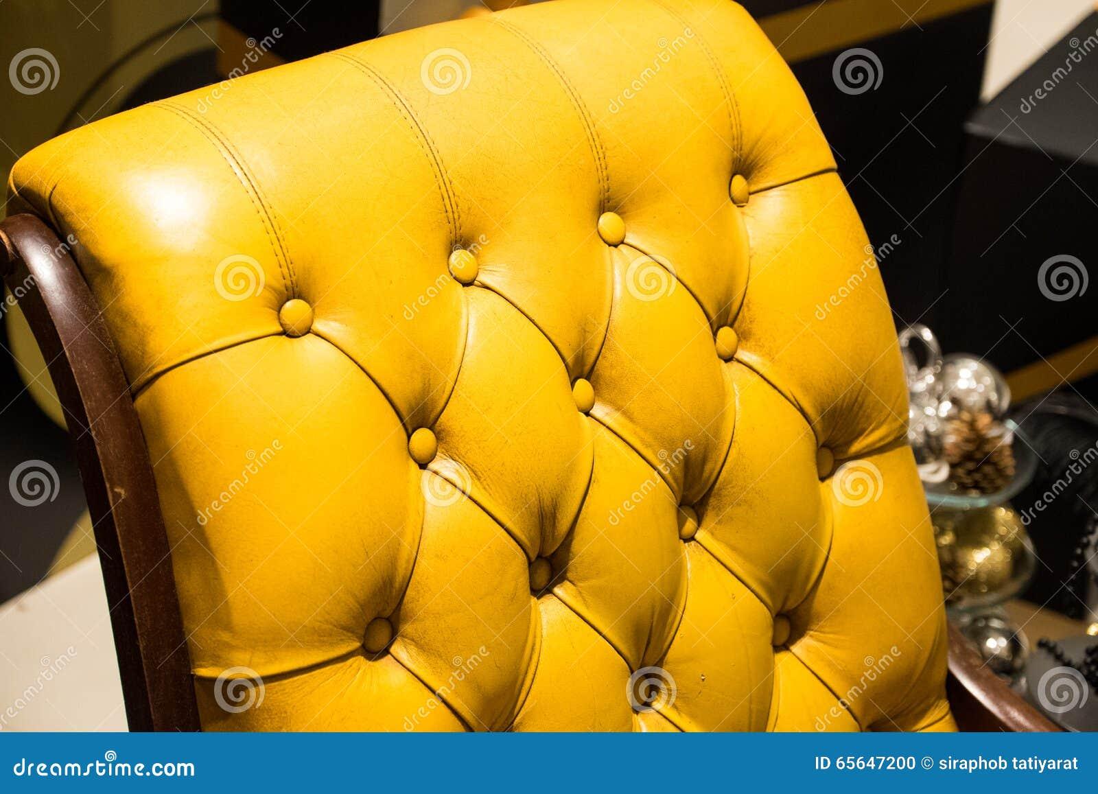 Sofa jaune
