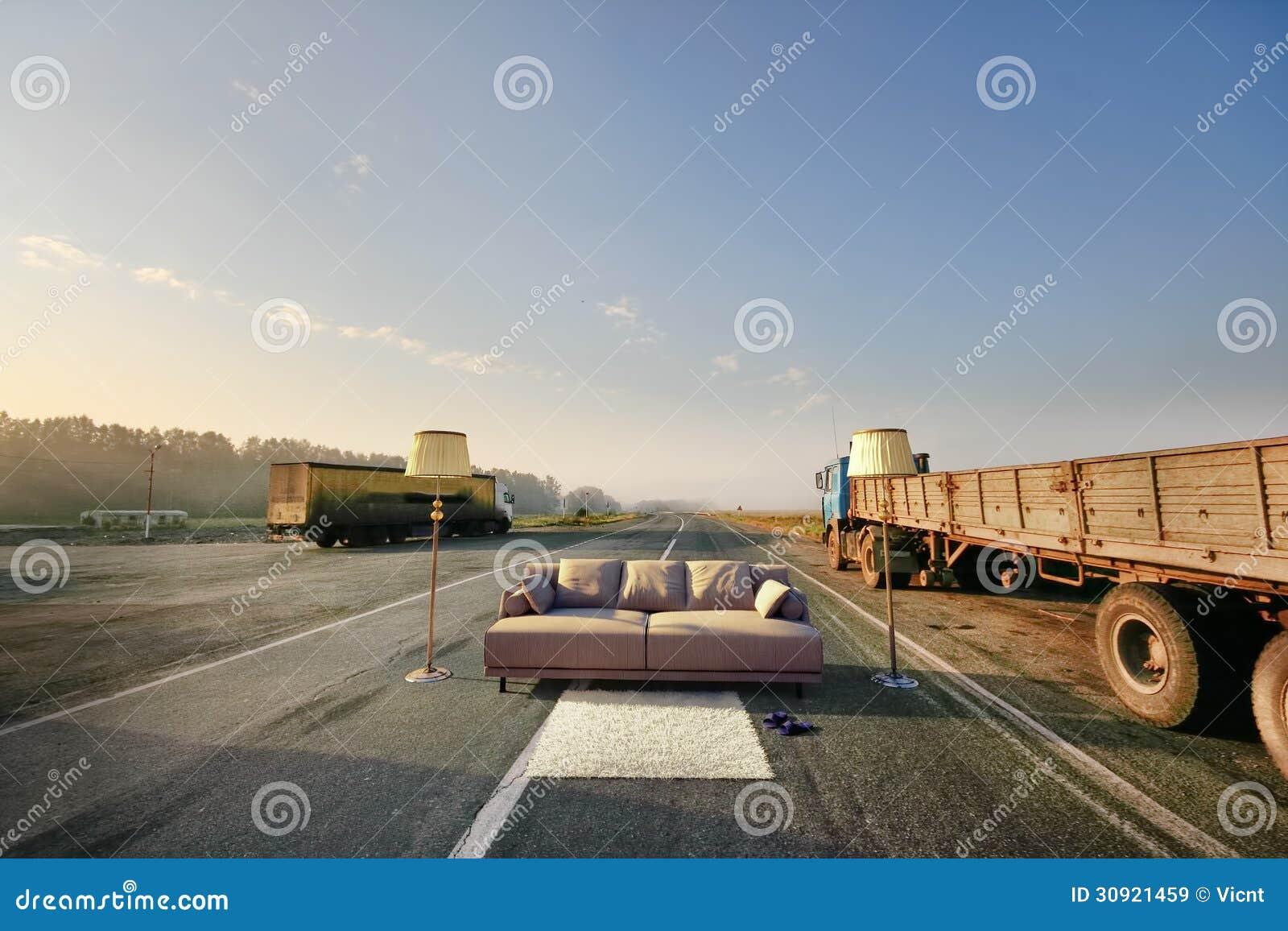 Merveilleux Sofa On The Road
