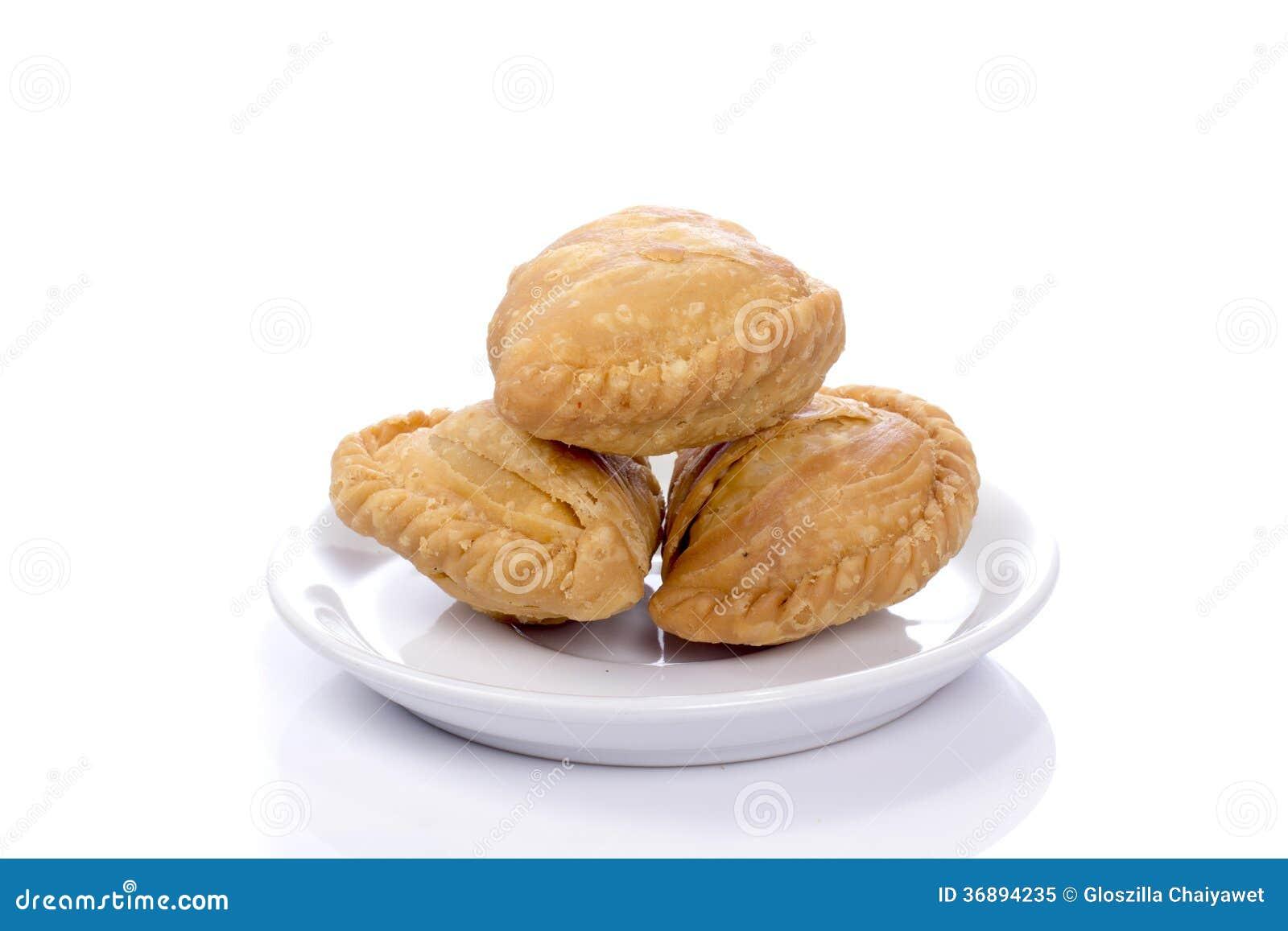 Download Soffi Del Curry Isolati Su Un Fondo Bianco. Immagine Stock - Immagine di cavolo, alimento: 36894235