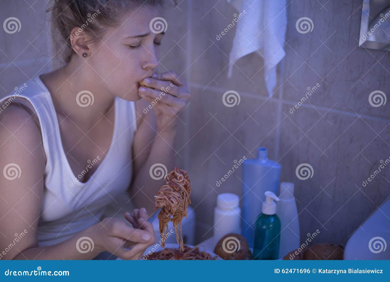 Soffrendo dalla bulimia