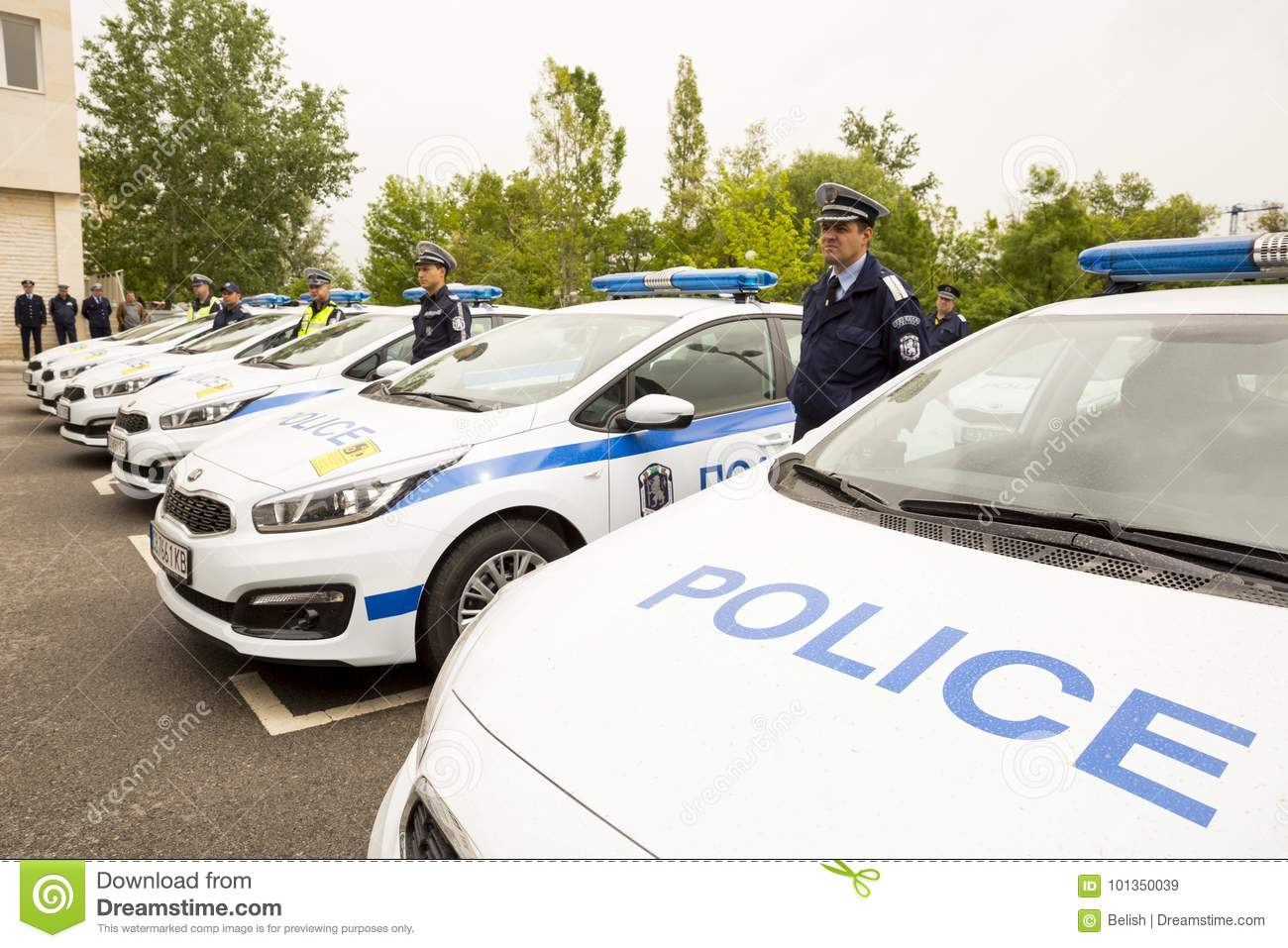 New Vehicles 2017 >> Police Officers Cars Editorial Stock Image Image Of People