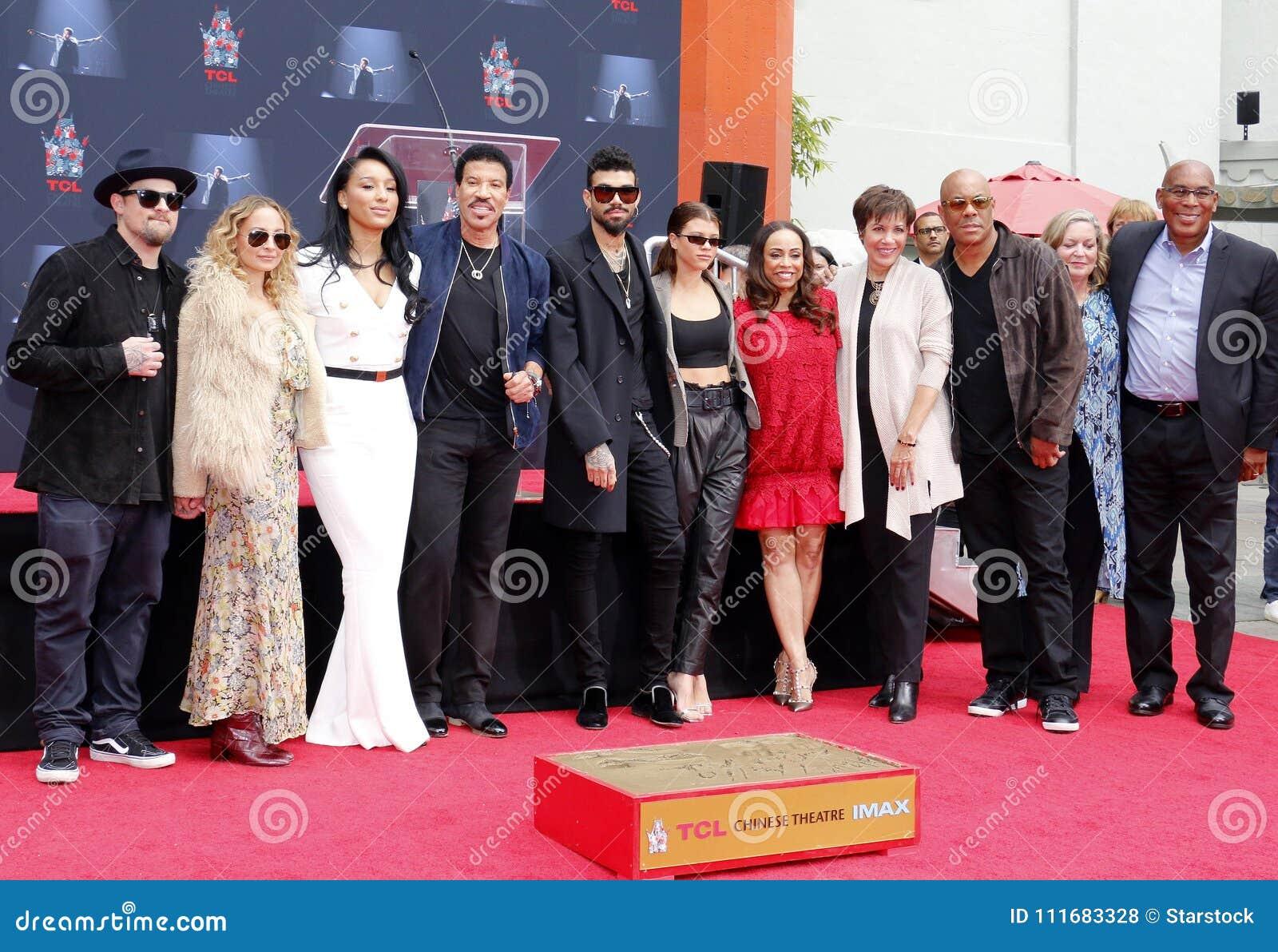 Sofia Richie, Miles Richie, Nicole Richie, Lionel Richie, Lisa Parigi y Benji Madden