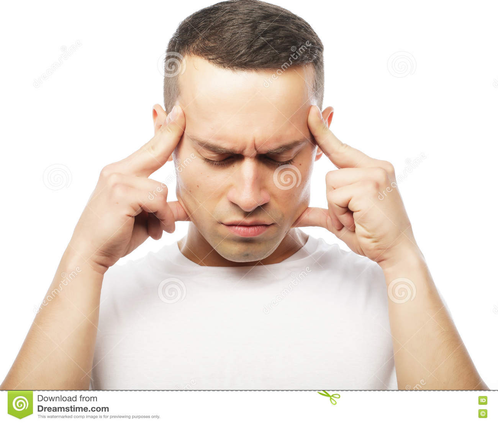 Sofrimento atrativo do homem novo da dor de cabeça forte