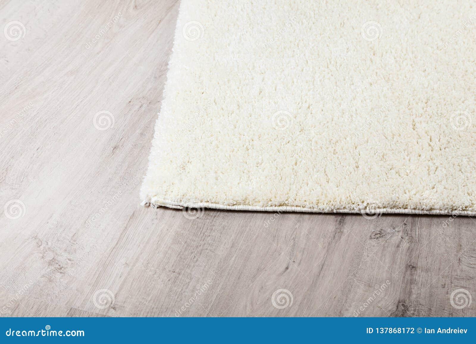 Carpet on laminate flooring