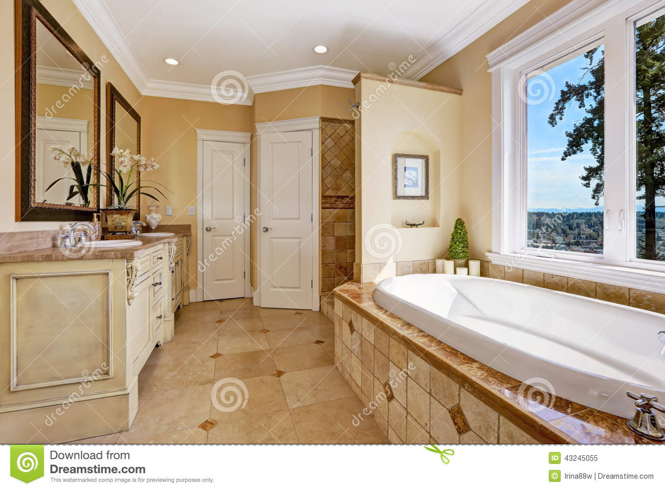 Soft tones bathroom interior in luxury house stock photo for Interni di case di lusso