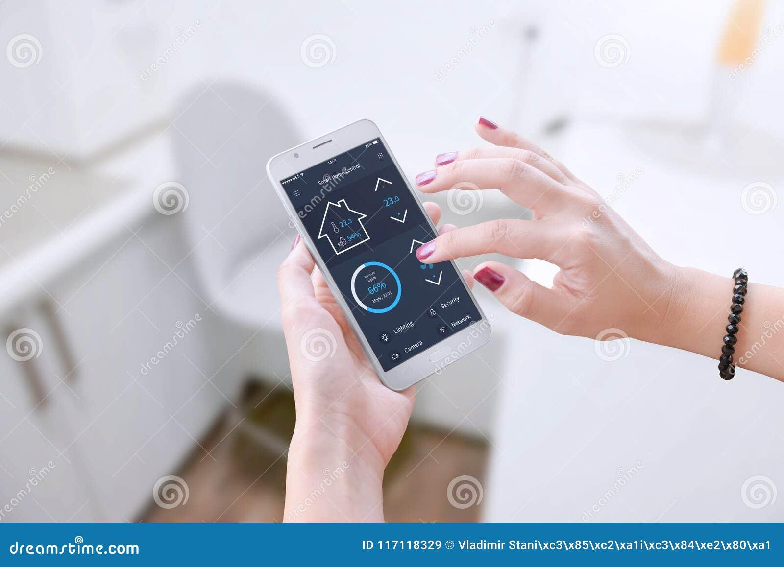 Software esperto para que o dispositivo móvel controle parâmetros do apartamento