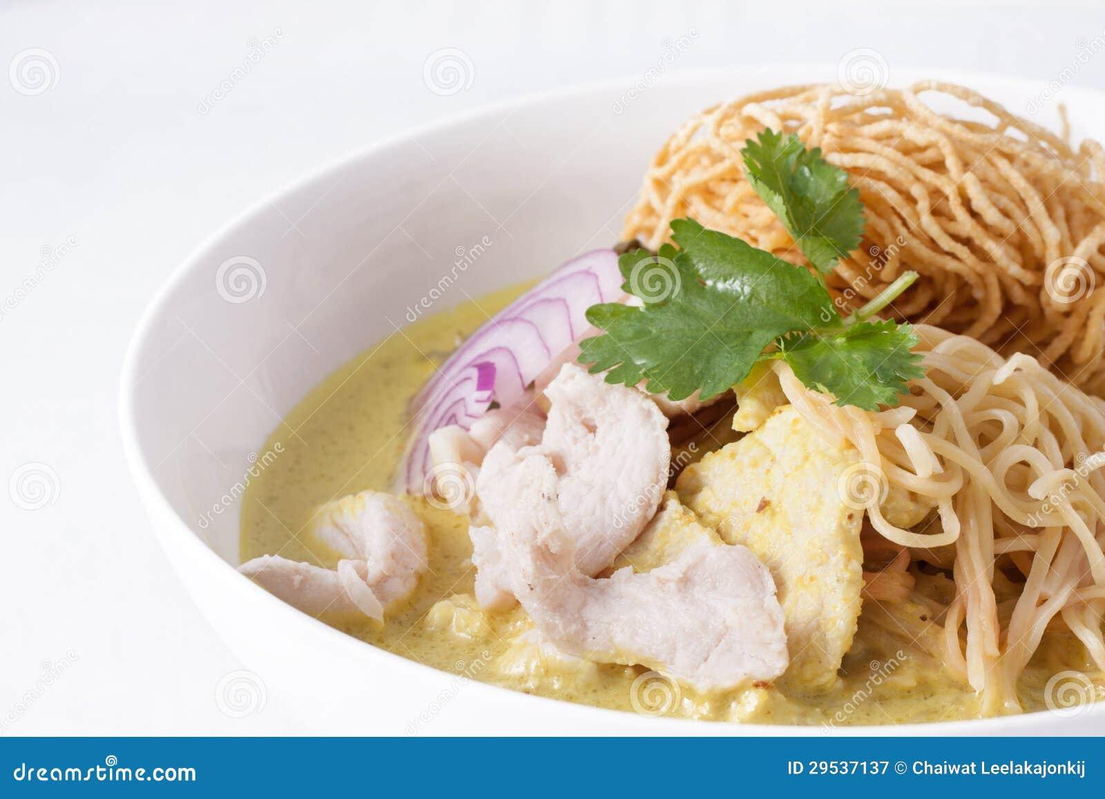 Soi de Khao, macarronetes do caril, alimento tailandês