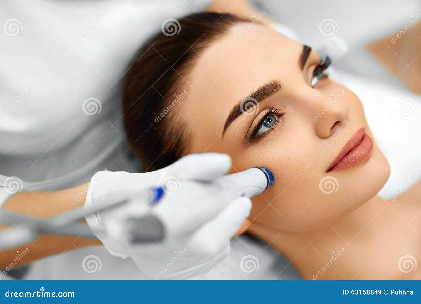Soins de la peau de visage Traitement hydraulique facial d épluchage de Microdermabrasion