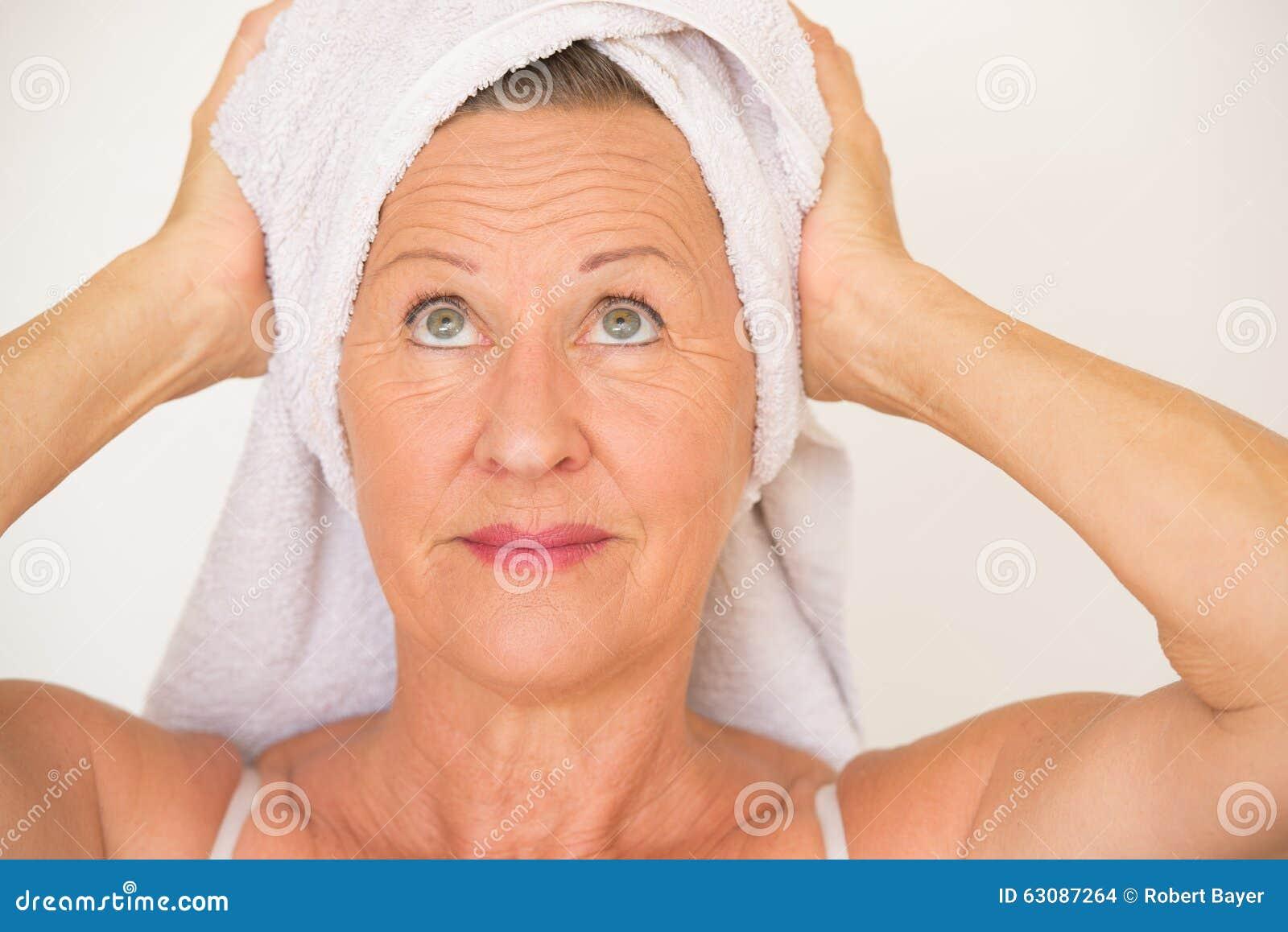Download Soins De Santé Mûrs De Station Thermale De Femme Photo stock - Image du mûr, joyeux: 63087264