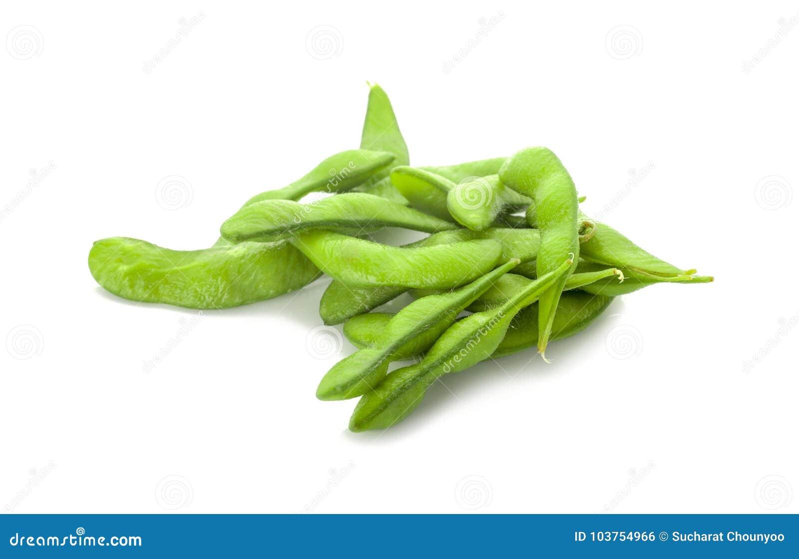 Sojas verdes aisladas en el fondo blanco