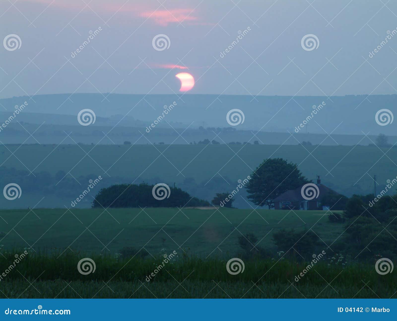 Sol- förmörkelse