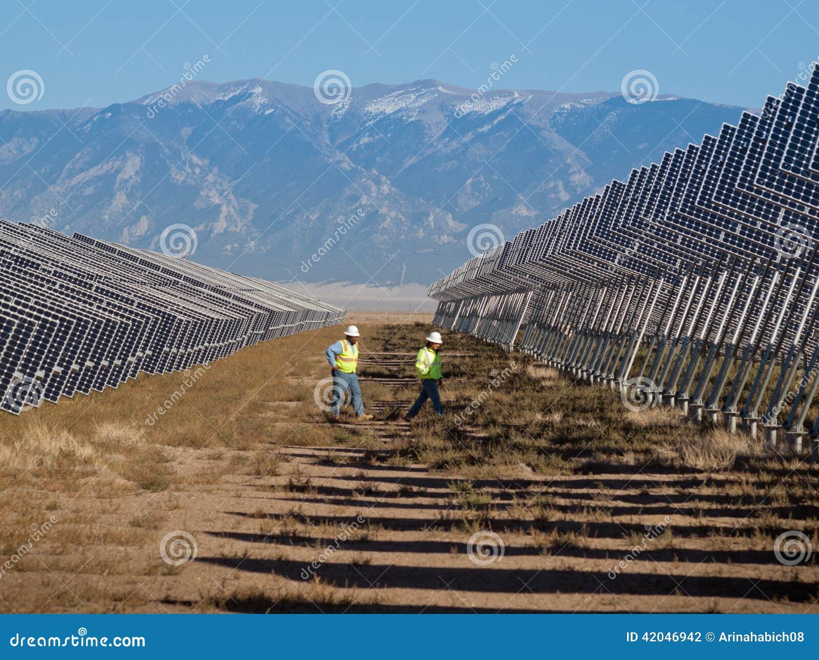 Sol- panelväxtström