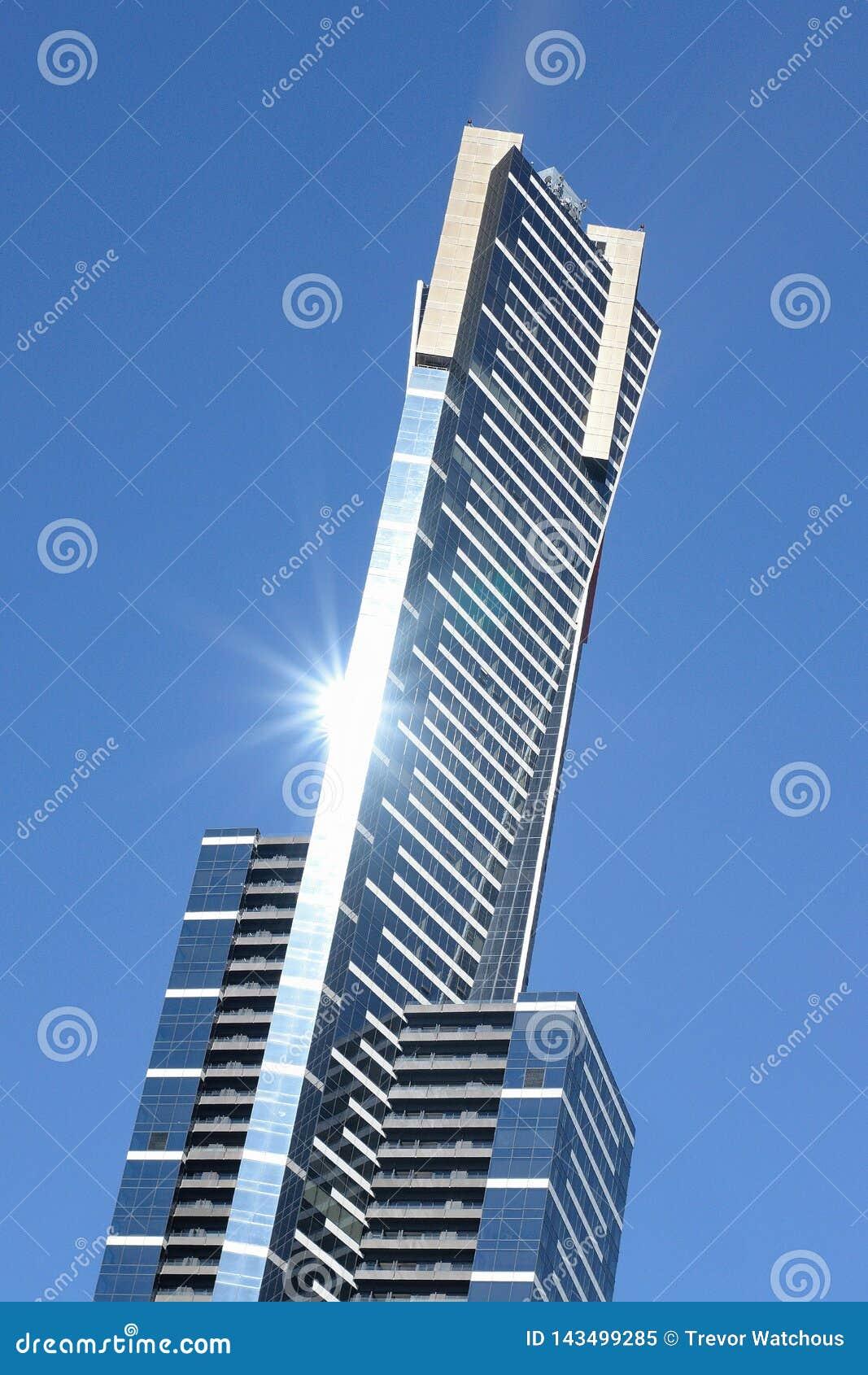 Sol som reflekterar av det Eureka tornet i Melbourne, Australien