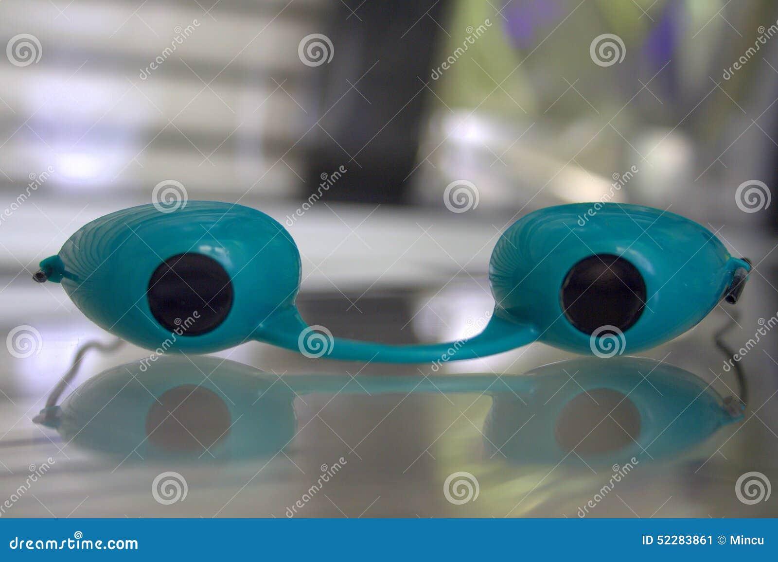 Solarium glasses