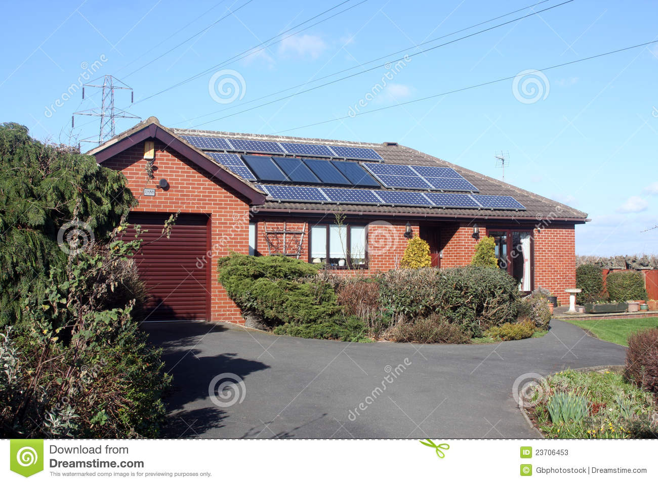 Solar Panels On Bungalow Roof Stock Photos Image 23706453