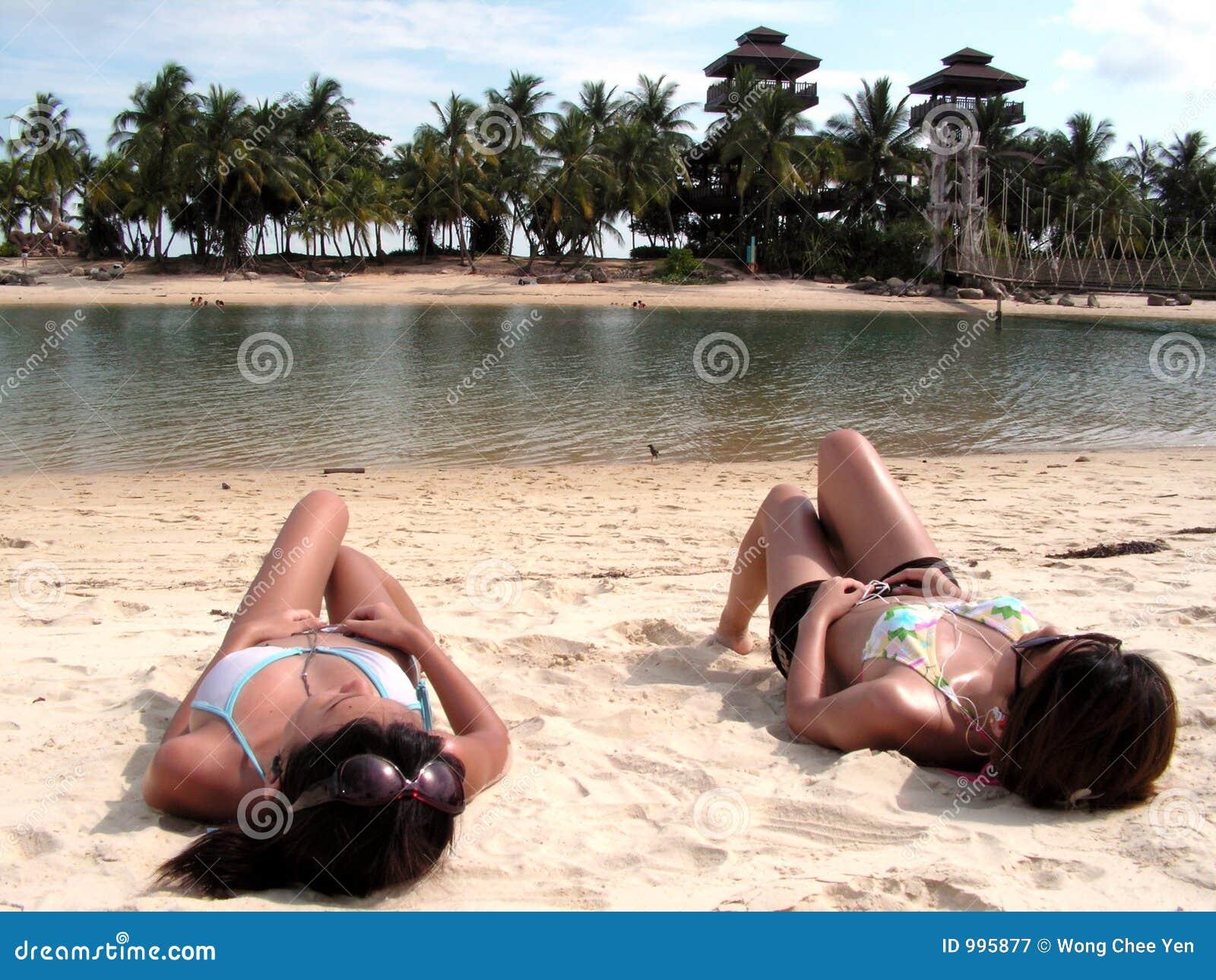 Solbada för bikinidamtoalett