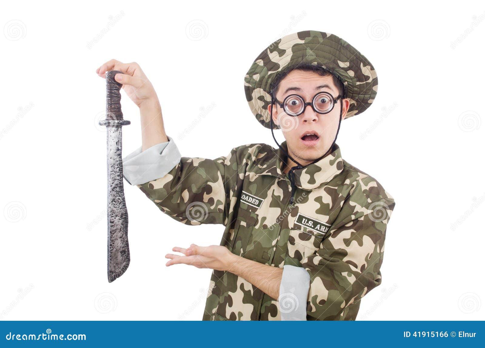 Soldado divertido con el cuchillo