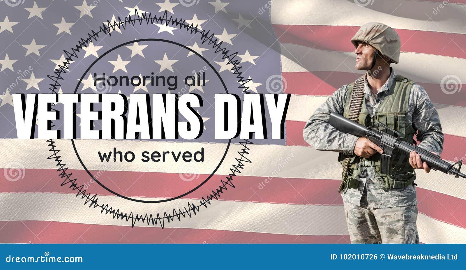 Soldado do dia de veteranos na frente da bandeira