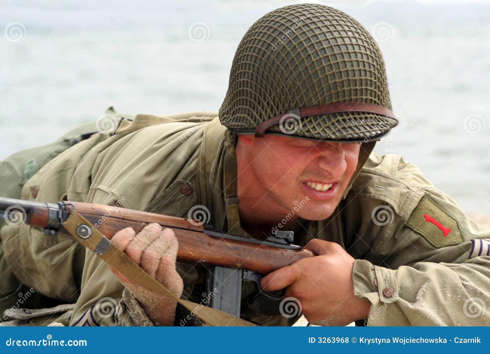 Soldat américain de rampement