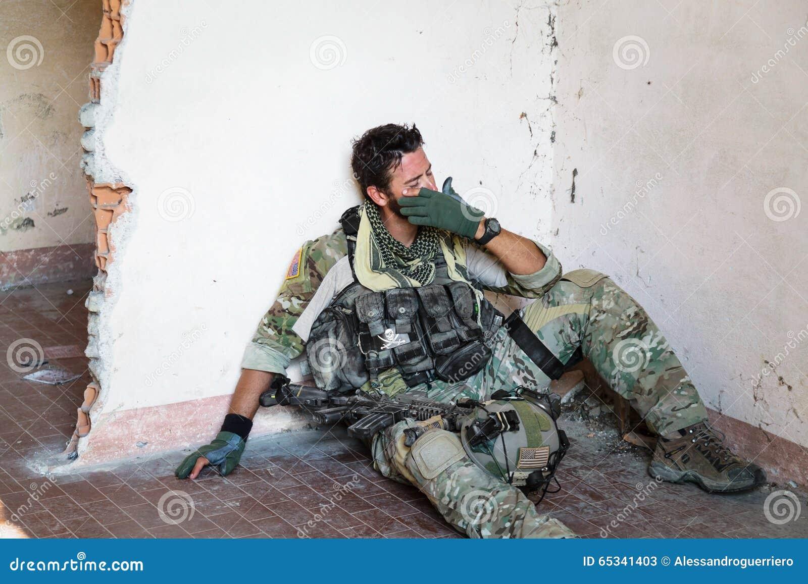 Soldat américain pleurant