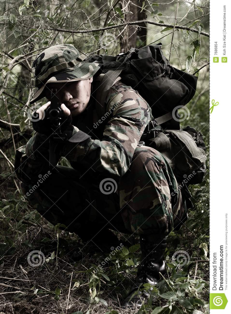 Soldat dans la jungle