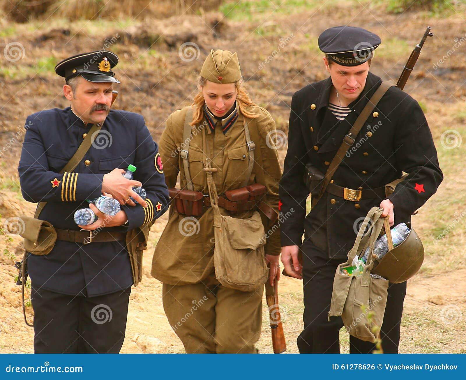 spesso Soldati Russi La Ricostruzione Della Battaglia In Uniforme  PF38