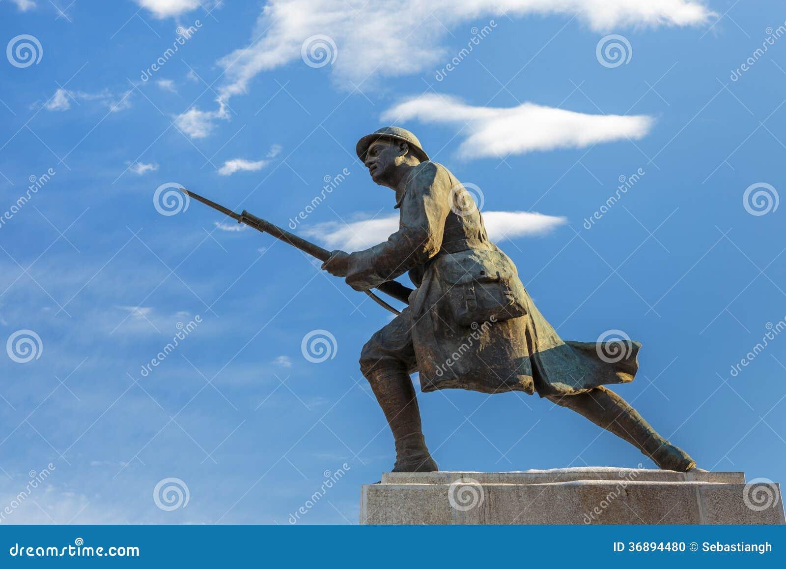 Download Soldato Sconosciuto Statue, Brasov, Romania Immagine Editoriale - Immagine di militare, storia: 36894480