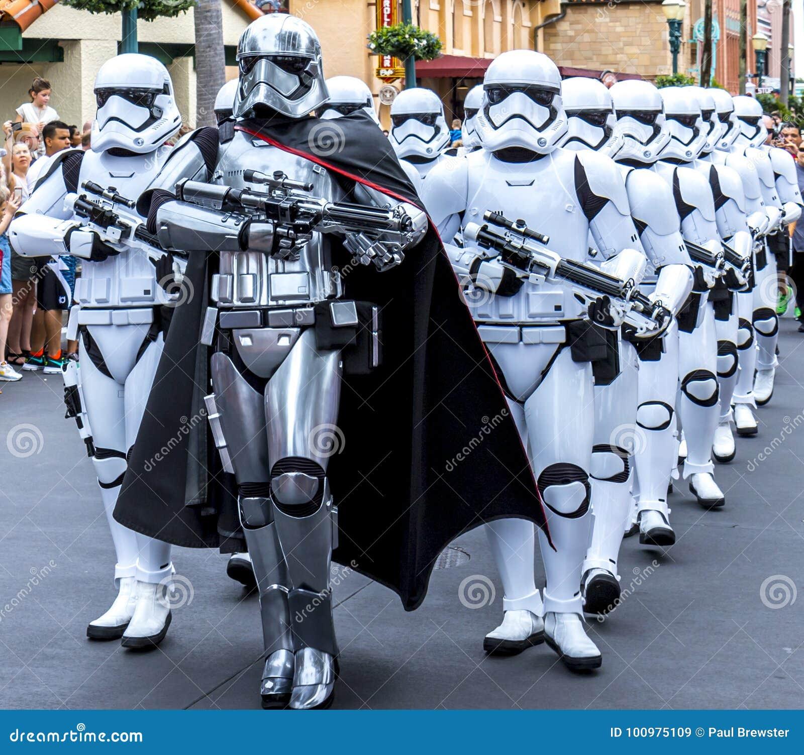 Soldats de la cavalerie de tempête de Guerres des Étoiles de studios d Orlando Florida Hollywood du monde de Disney