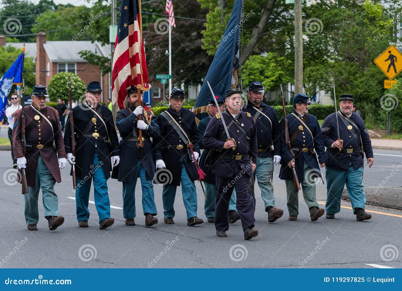 Soldats en uniforme pluss âgé de vétéran d ère de guerre civile les vieux dans l armée des Etats-Unis tous les hommes blancs marc