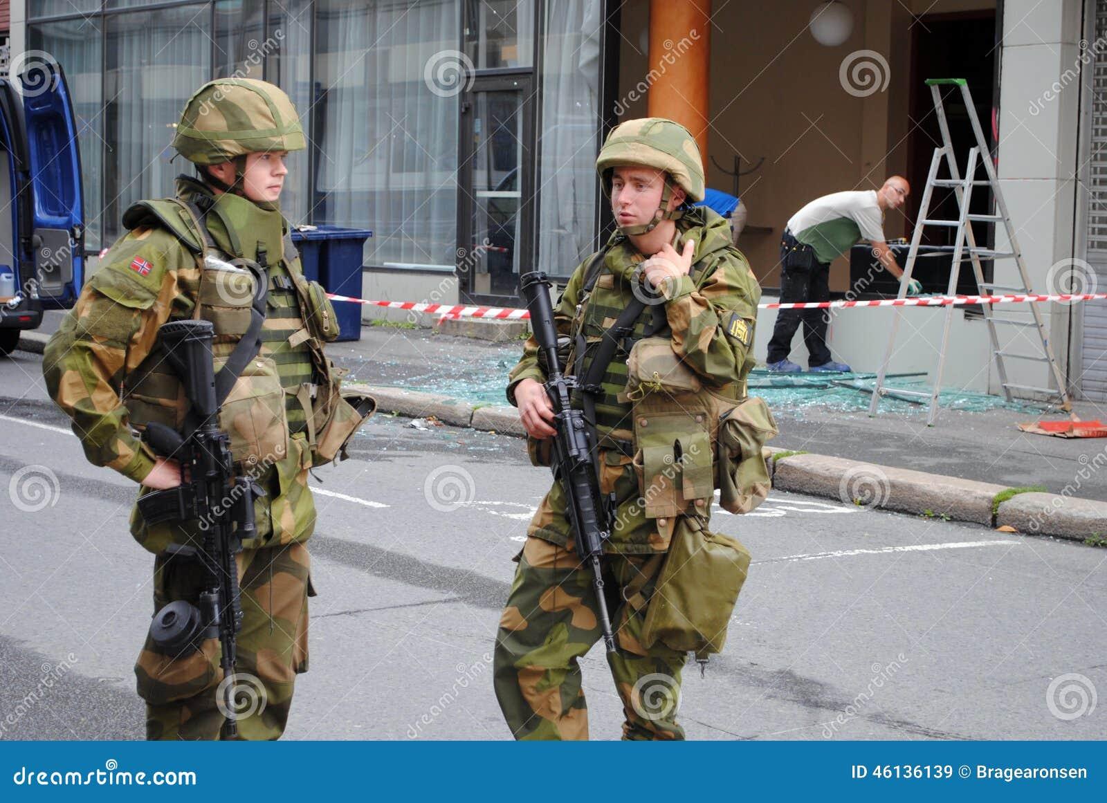 Soldats norvégiens après attaque terroriste