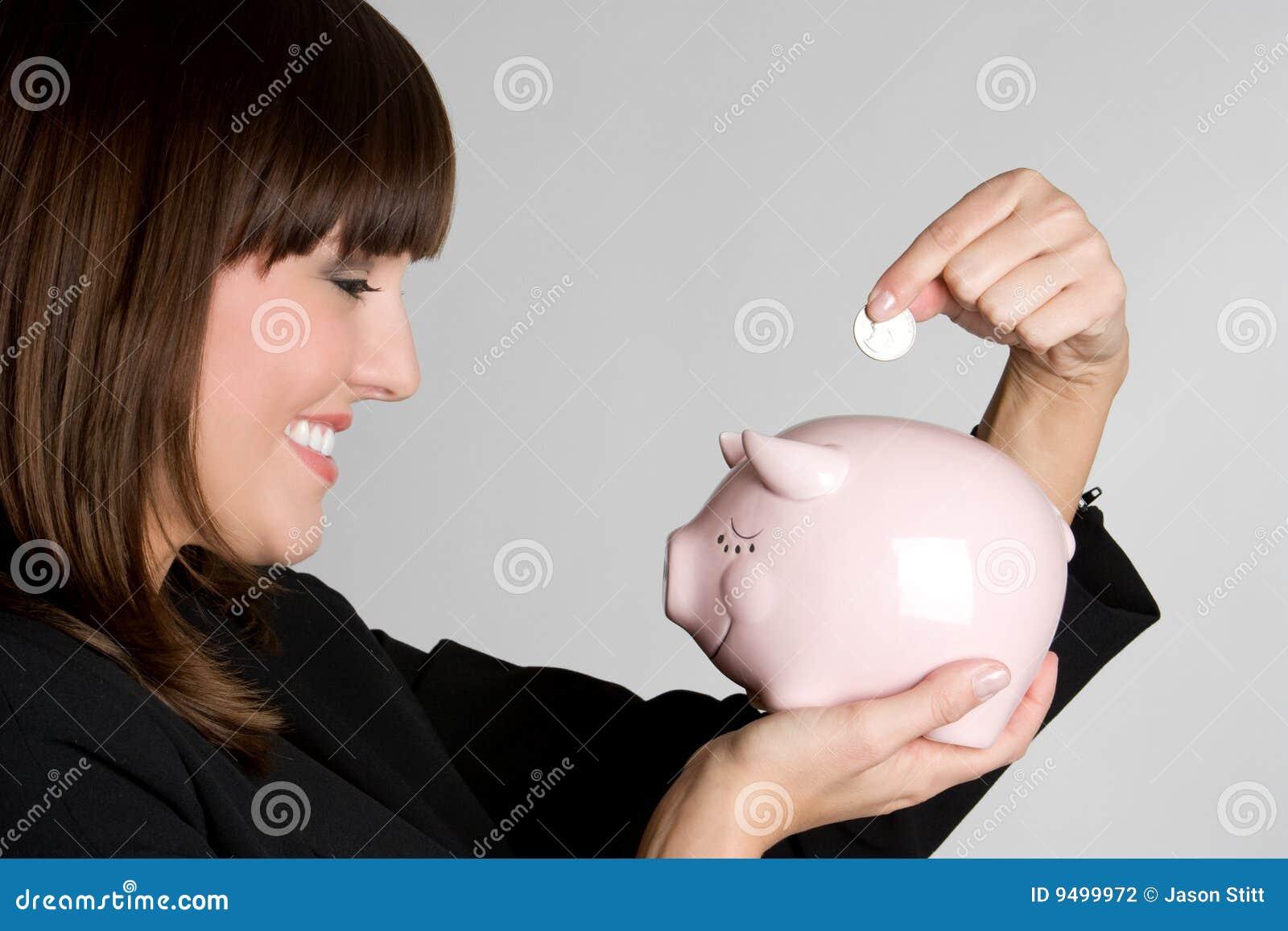Soldi di risparmio della donna