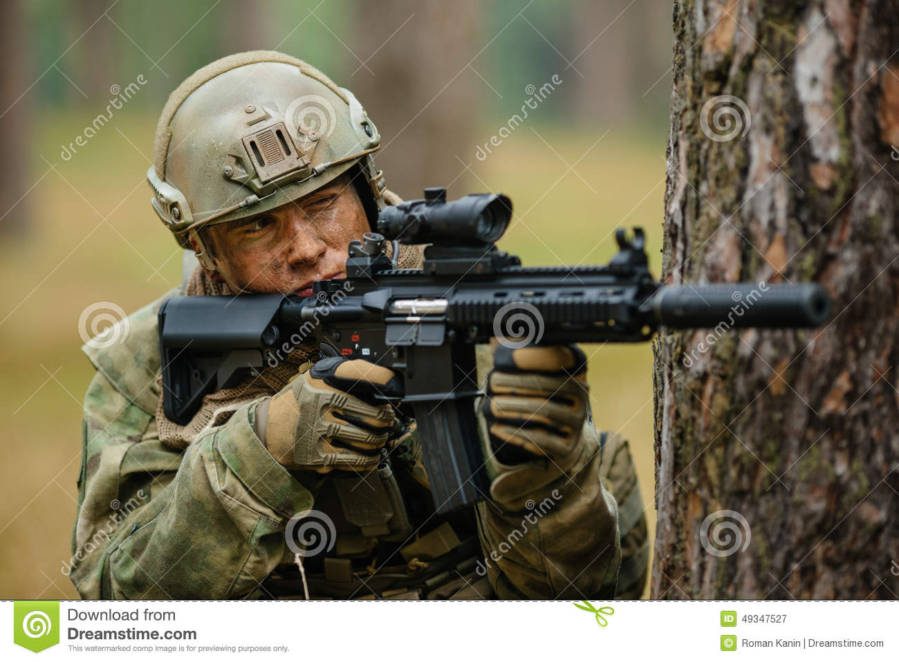 Soldier Holding A Gun Aiming Through The Scope Stock Photo ... M16 Acog