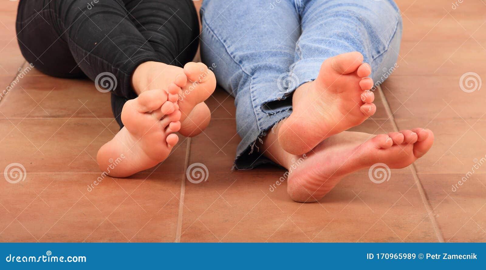 Feet soles girls Chicago Feet